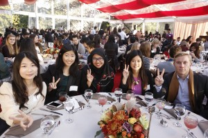 USC students take part in Thanksgiving Festivities at the President's house