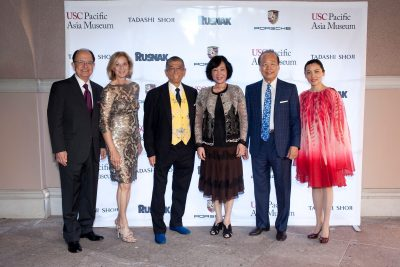 L-R: USC President C. L. Max Nikias and First Lady Niki C. Nikias with honorees Tadashi Shoji, Dr. Oi-Lin Chen, Dr. Tei-Fu Chen and Pacific Asia Museum Director Christina Yu. (Photo/Vanessa Preziose)
